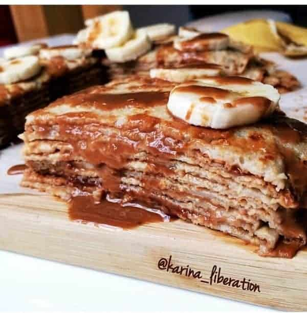 HEALTHY BANANA, PEANUT BUTTER & HONEY CREPE CAKE - cafe delites cafedelites.com