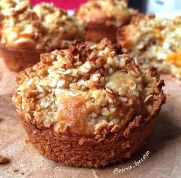 Almond Peach Crumble Muffins