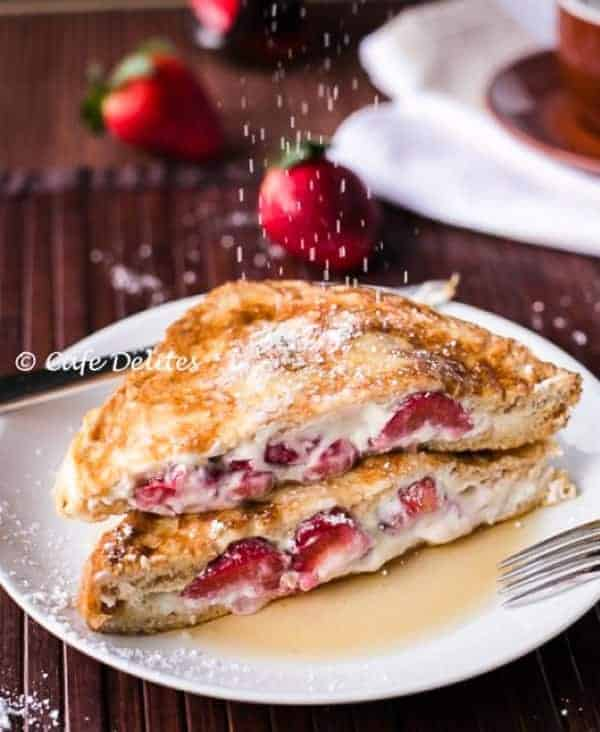 Strawberries and Cream French Toasts | https://cafedelites.com