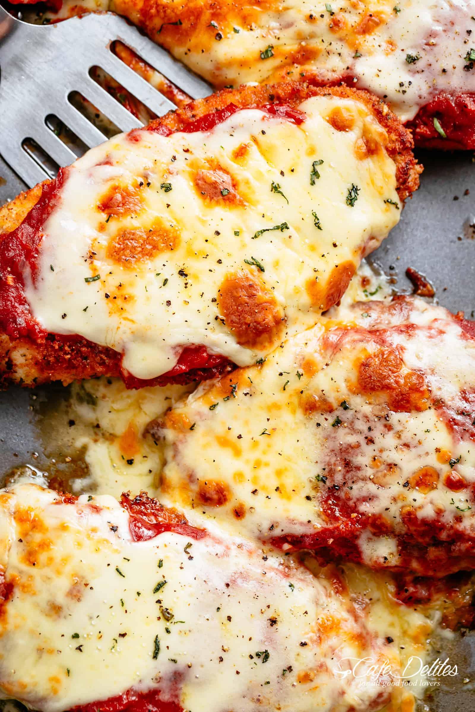 Best Chicken Parmesan | cafedelites.com