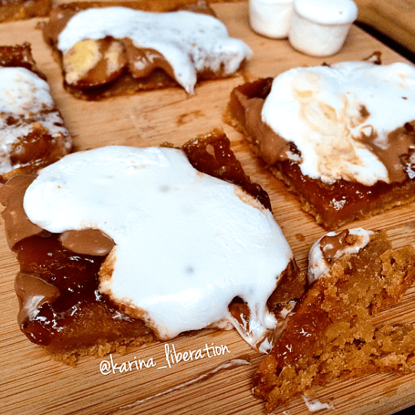 S'mores Cookie Butter Blondies