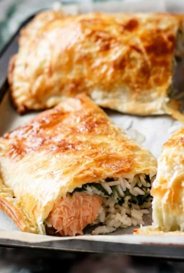 Puff Pastry Salmon Parcels | cafedelites.com