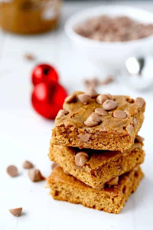 Cookie Butter Gingerbread Caramel Chip Blondies on cafedelites.com
