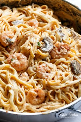 Creamy Shrimp Mushroom Linguine!Pasta, shrimp in a creamy low fat sauce without losing the creamy flavour? Of course! You won't miss the heavy cream! | cafedelites.com