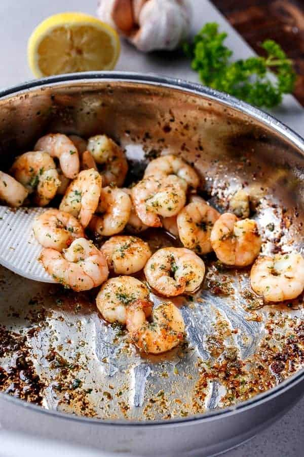 Lemon Paprika Garlic Prawns | https://cafedelites.com