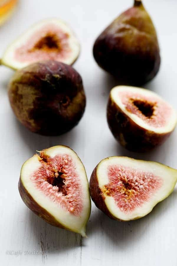 Caramelized Fig Toasted Oatmeal | https://cafedelites.com