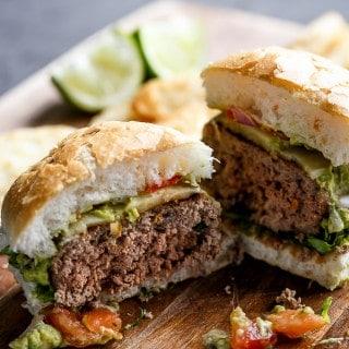 Carne Asada Guacamole Burgers | https://cafedelites.com