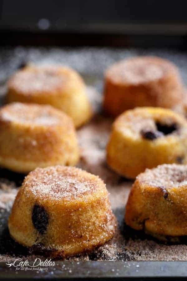 Churro Lava Cakes | https://cafedelites.com