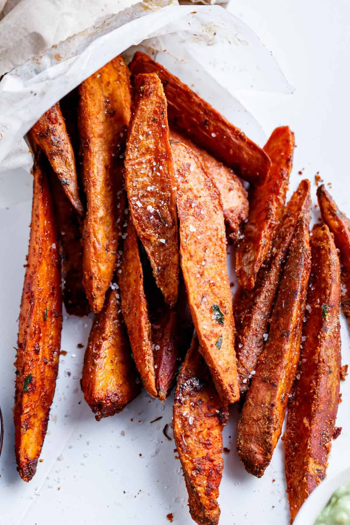 Crispy Sweet Potato Wedges With Garlic Avocado Aioli Cafe Delites