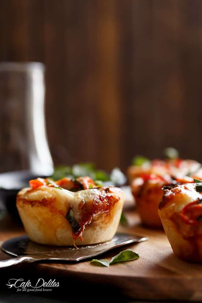 Mini Caprese Deep Dish Pizzas | https://cafedelites.com