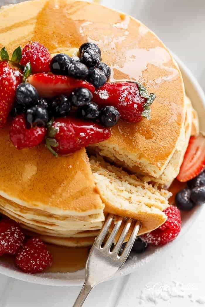 Best fluffy pancakes cafe delites 3 ingredient pancakes are fluffy and super soft with the added bonus of no oil ccuart Gallery