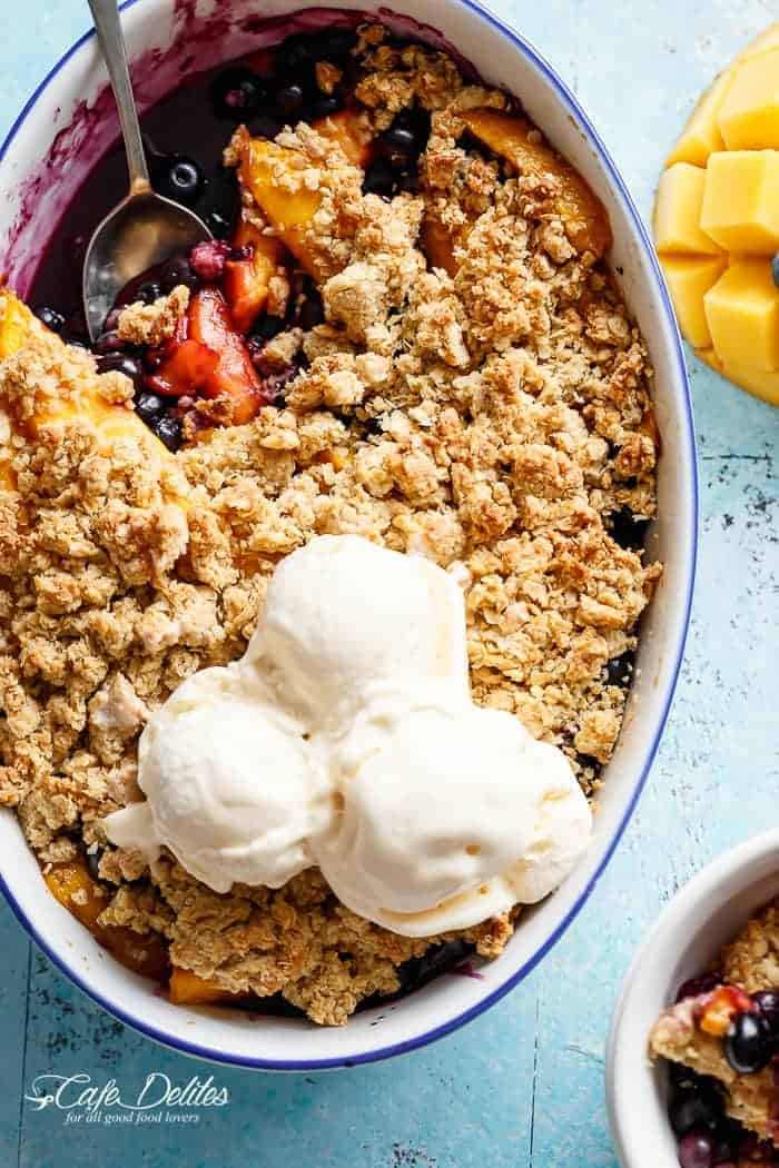 Easy Mango Blueberry Crumble | https://cafedelites.com