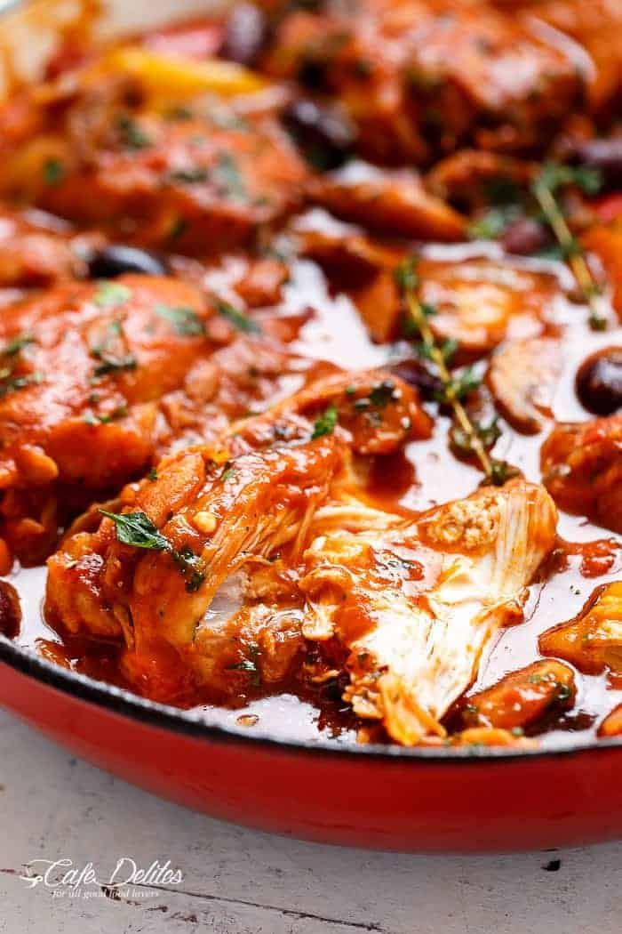 Slow Cooked Chicken Cacciatore | https://cafedelites.com