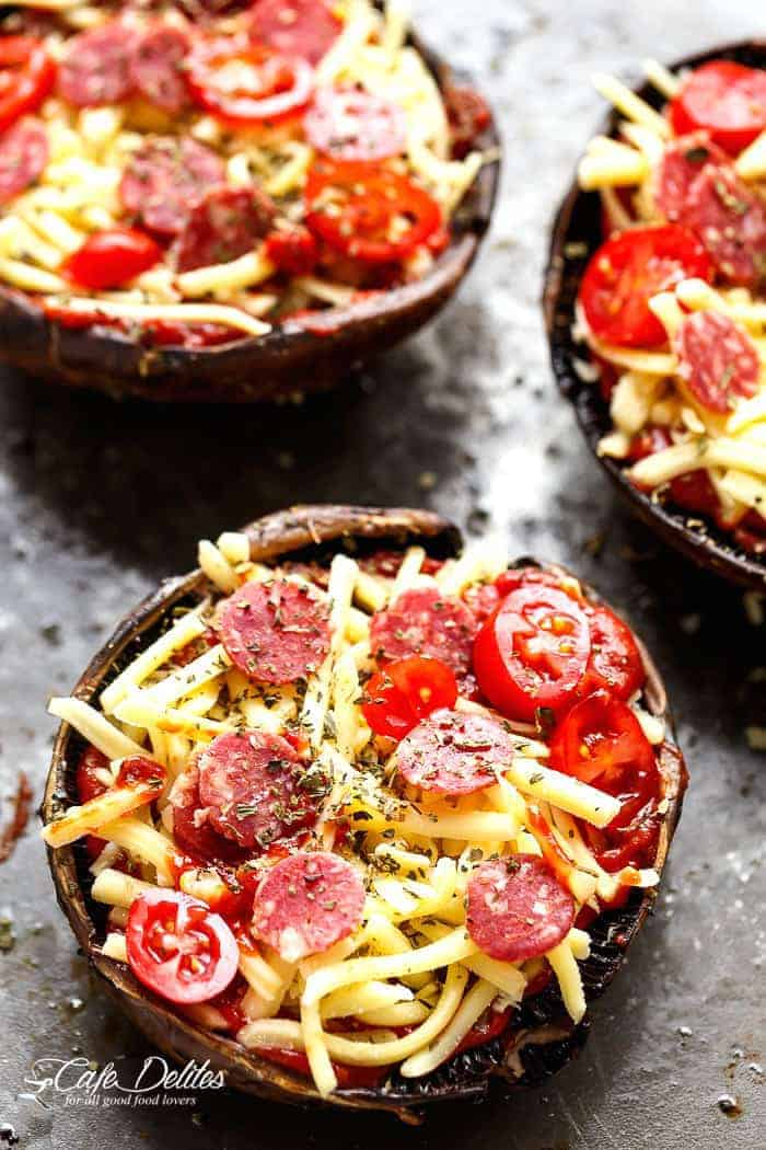Easy Portobello Pizzas | https://cafedelites.com