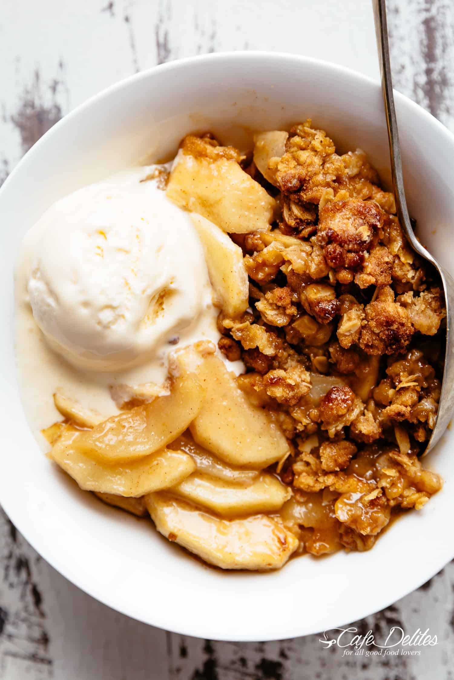 The BEST Apple Crumble Apple Crisp!