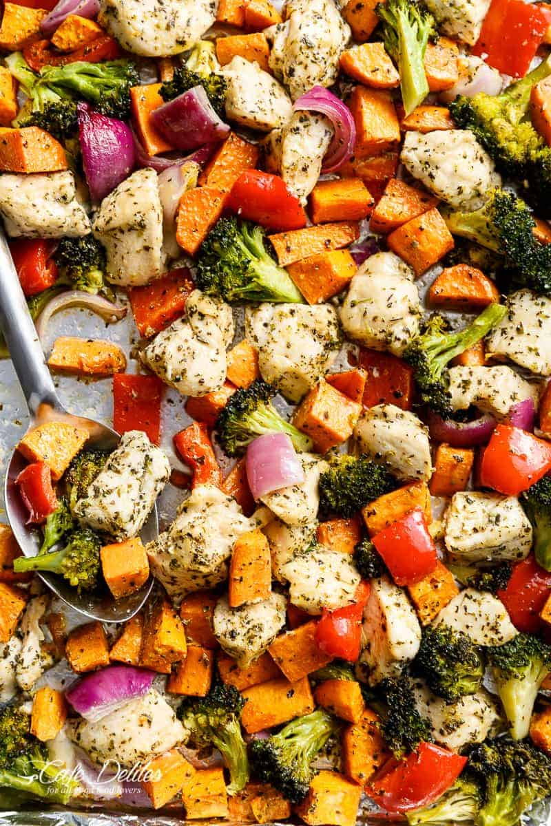 Garlic Herb Chicken & Sweet Potato Sheet Pan Meal Prep | http://cafedelites