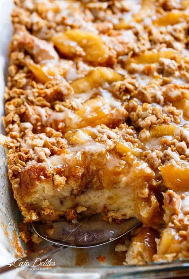 TWO desserts collide into one irresistible breakfast with this Apple Pie French Toast Bake! This casserole, also known as bread pudding, is a family favourite breakfast! | https://cafedelites.com