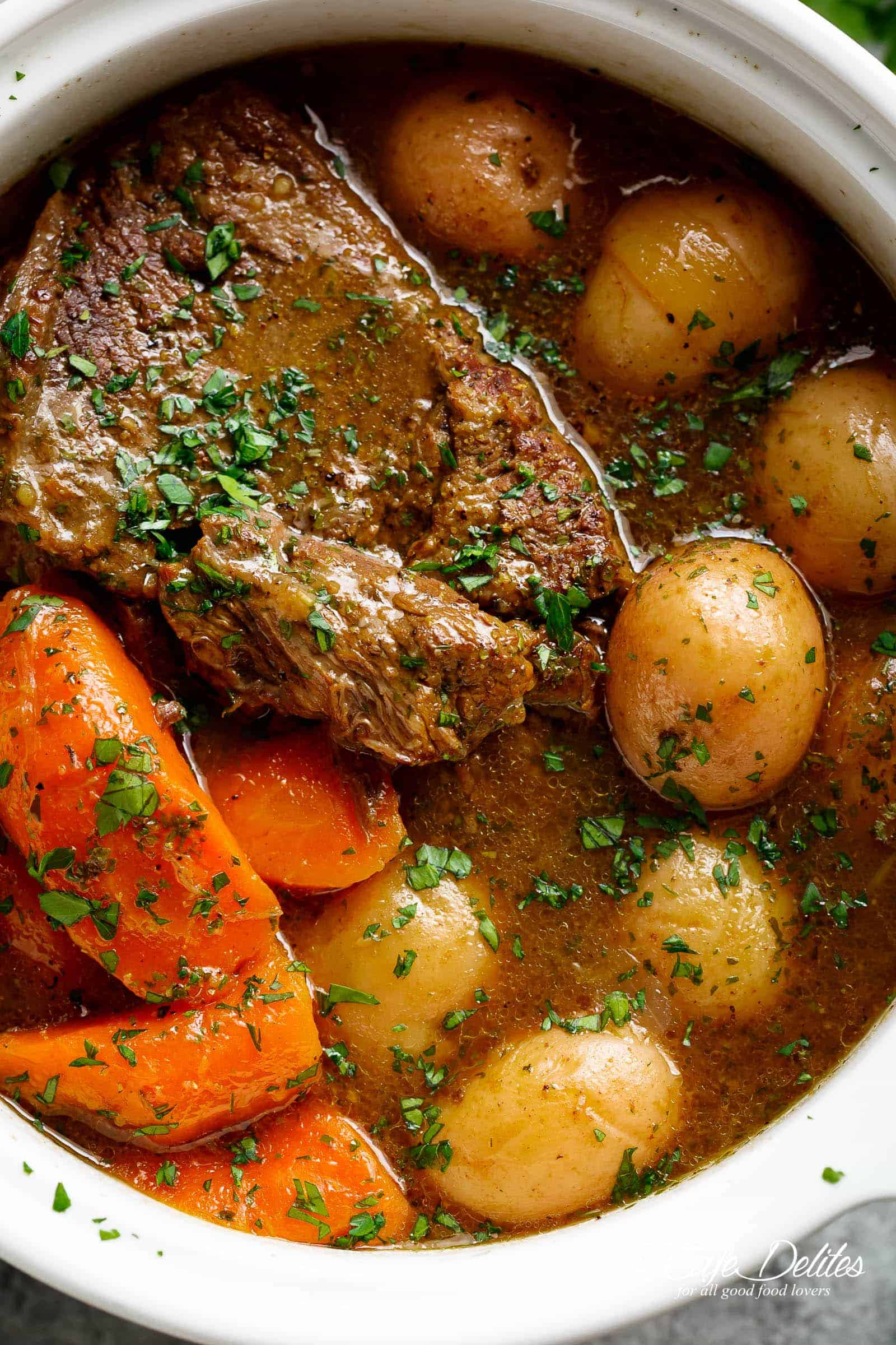Slow Cooked Balsamic Pot Roast (Slow Cooker, Instant Pot ...