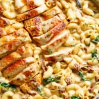 Tuscan Chicken Mac And Cheese is a ONE POT dinner made on the stove top, in less than 30 minutes! It will be hard to go back to regular Mac and Cheese! | Cafe Delites