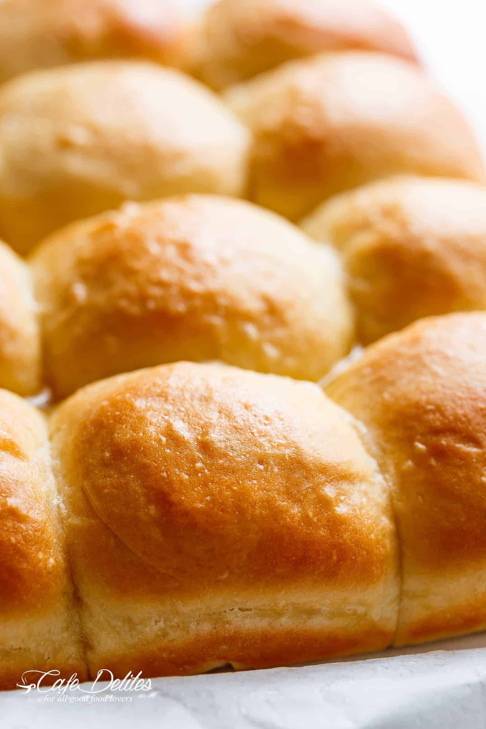 Easy soft dinner rolls no mixer egg free cafe delites we have egg allergies over here which is why this easy soft dinner rolls recipe has no egg forumfinder Images