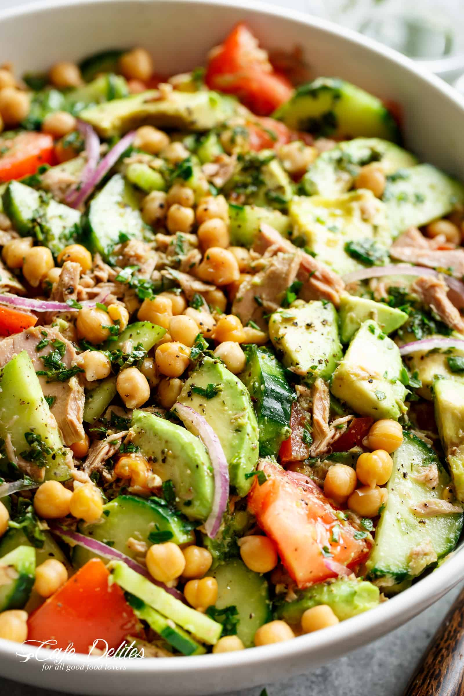 Avocado Chickpea Tuna Salad is packed with amazing flavours, protein, fibre and healthy fats! | cafedelites.com