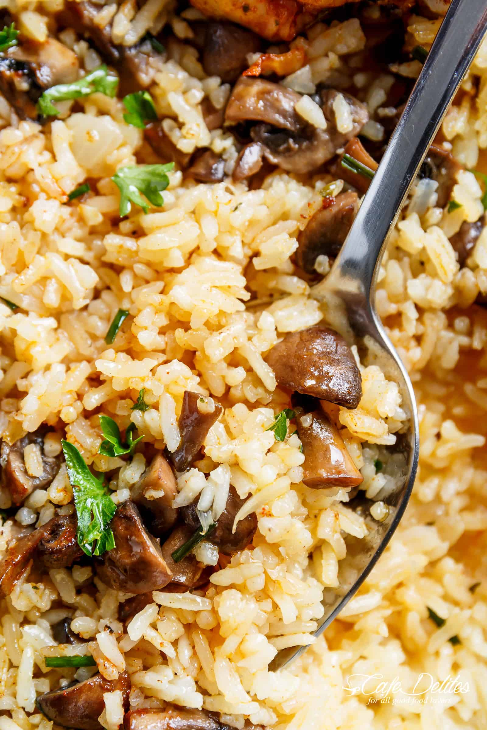 Mushroom Rice For Oven Baked Chicken and Rice | cafedelites.com