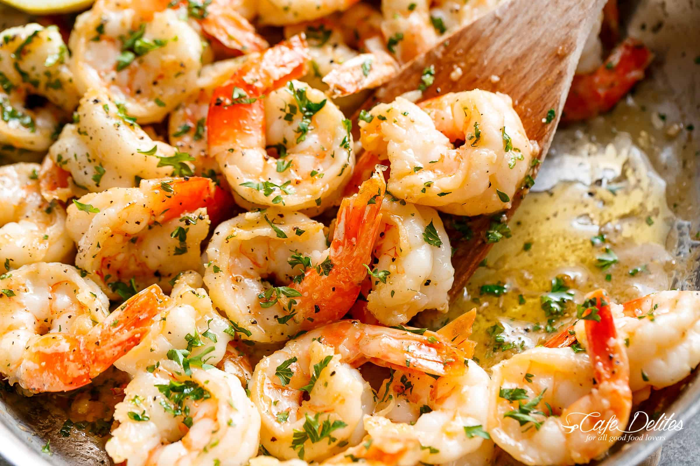 Garlic Butter Shrimp Scampi is so quick and easy! | cafedelites.com