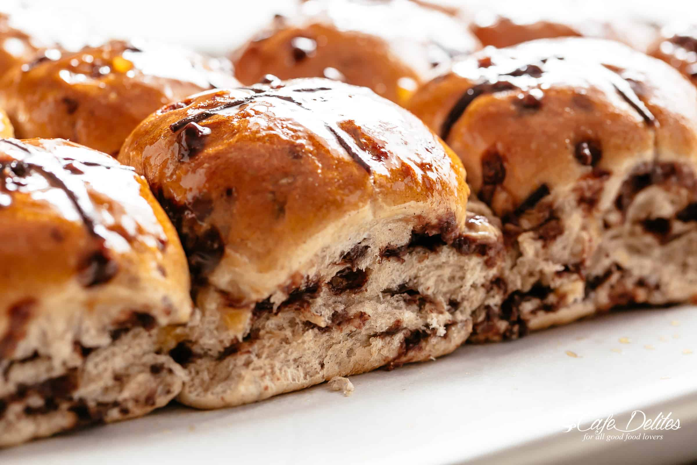 Homemade hot cross buns | cafedelites.com