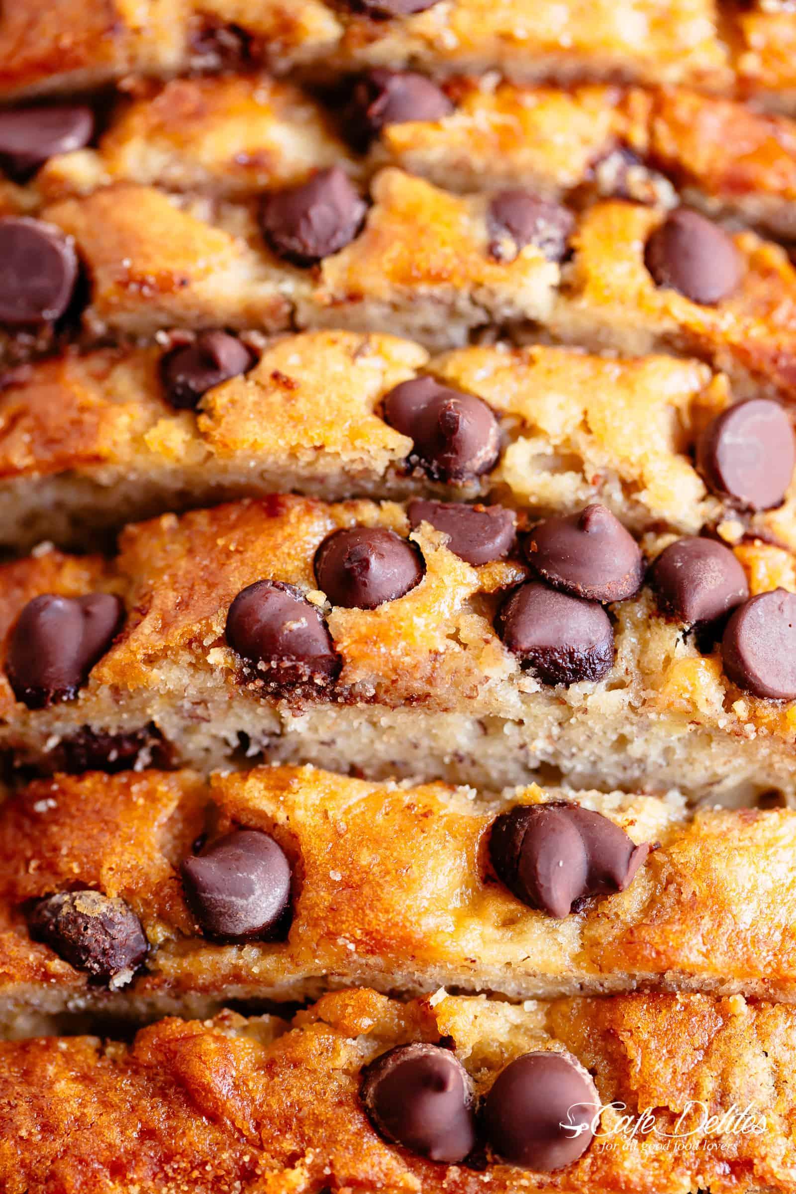 Fluffy Moist Easy Banana Bread | cafedelites.com