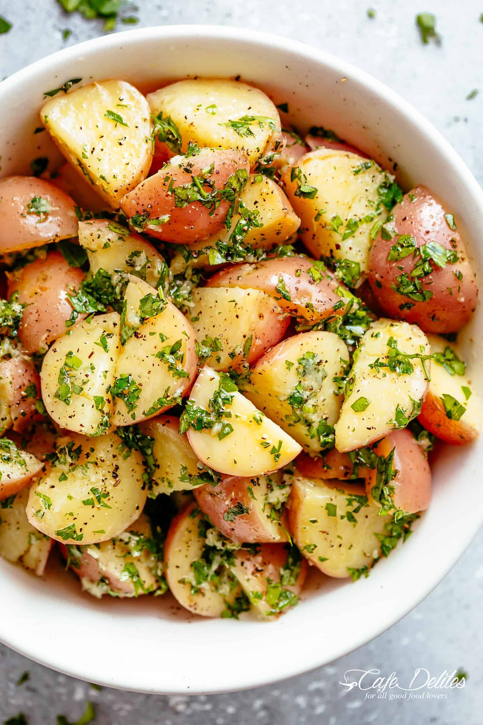 Garlicky Herb Red Potato Salad is ridiculously easy to make and packed with flavour! | cafedelites.com