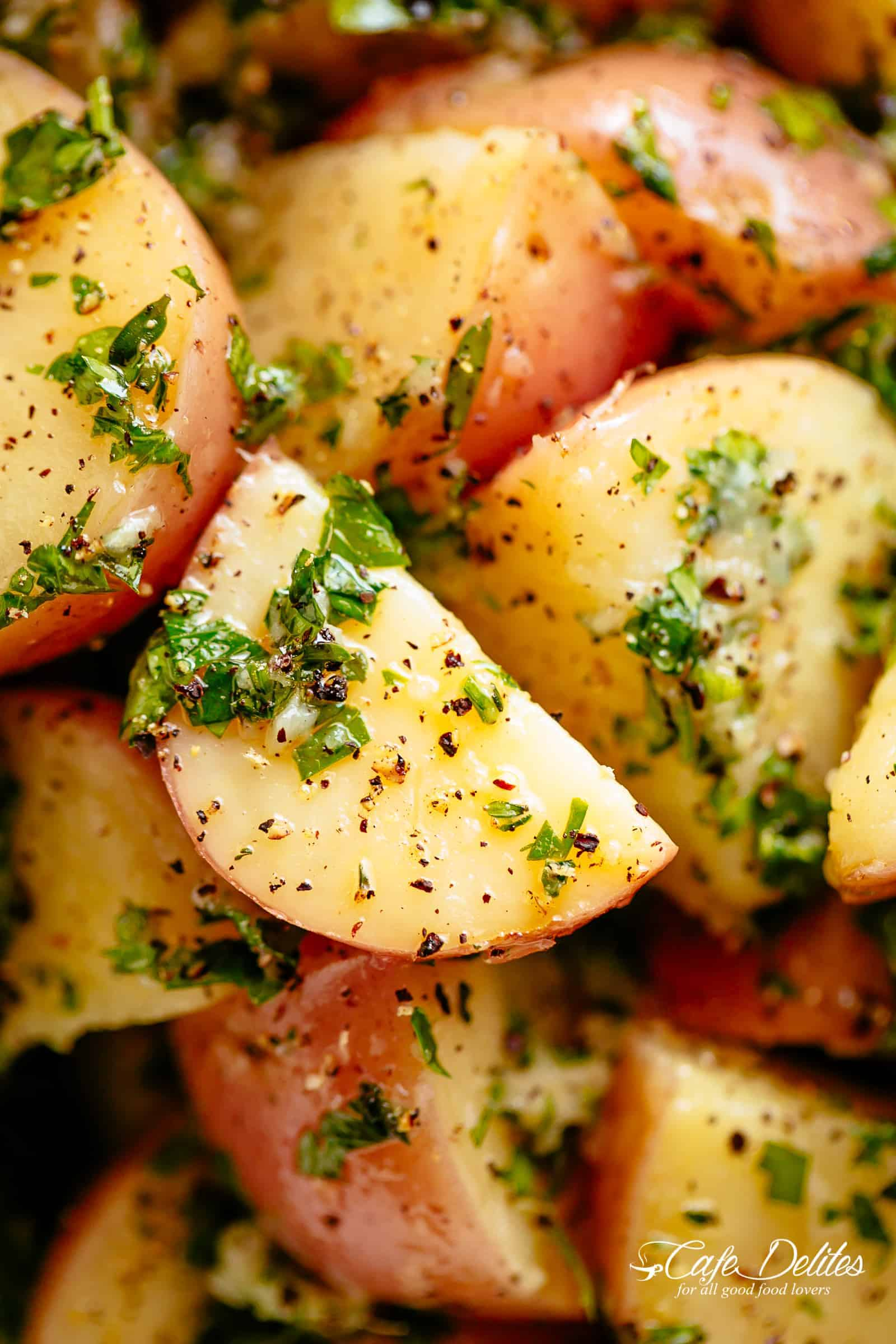 Herb Garlic Potato Salad with the most delicious herb dressing! | cafedelites.com