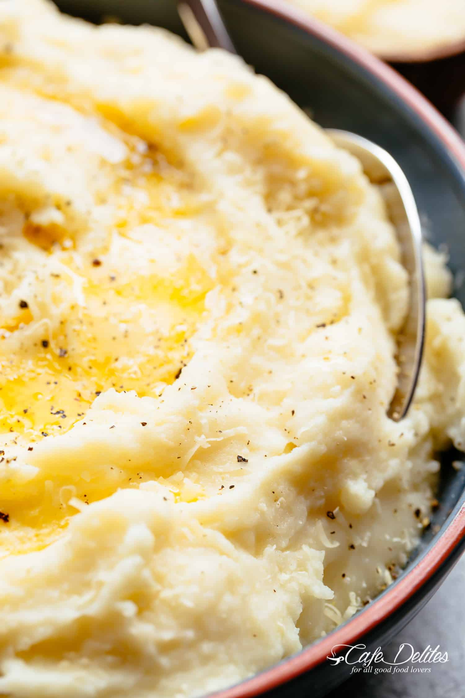 Keto approved CREAMY Mashed Cauliflower with Garlic, Sour Cream and Parmesan is the low carb side dish!