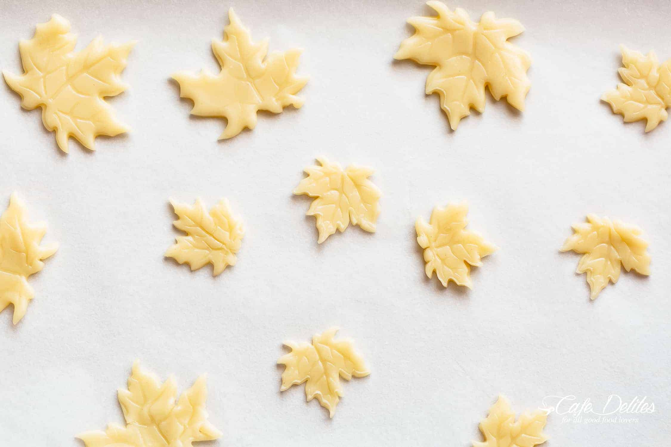 Fall leaves pastry cutter for pumpkin pie