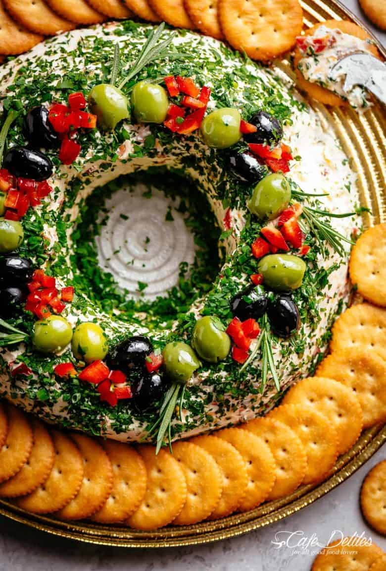 Cheese Ball Christmas Wreath | cafedelites.com
