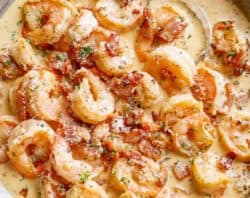 Carbonara Bacon Shrimp Alfredo | cafedelites.com