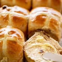 Hot Cross Buns Recipe | cafedelites.com